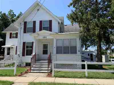 Columbus Single Family Home For Sale: 153 W School St