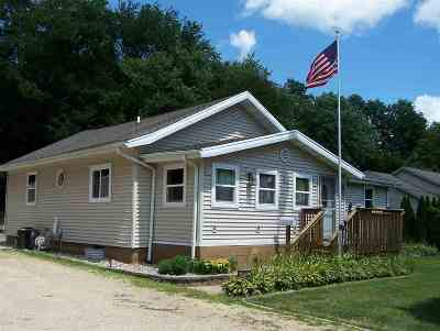 Beloit Single Family Home For Sale: 2219 W Shirland Ave