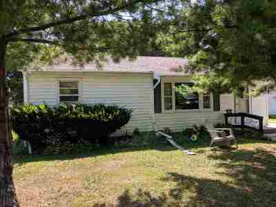 Beloit Single Family Home For Sale: 1207 Townline Ave