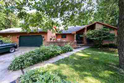 Dane County Single Family Home For Sale: 6205 Knollwood Dr