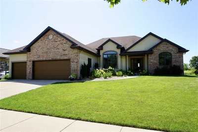 Waunakee Single Family Home For Sale: 512 Vanderbilt Dr
