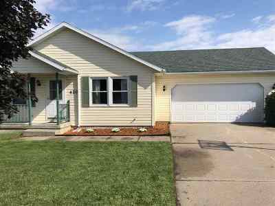 Baraboo WI Single Family Home For Sale: $179,900