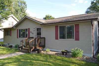 Columbia County Single Family Home For Sale: 614 W Pleasant St