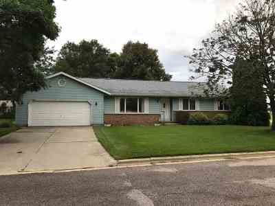 Sauk City WI Single Family Home For Sale: $225,000