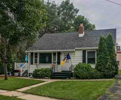 Dodge County Single Family Home For Sale: 316 Main St
