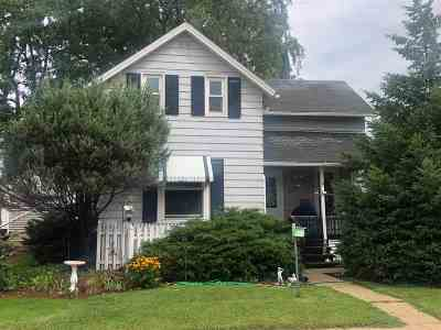 Dodge County Single Family Home For Sale: 132 Vermont St