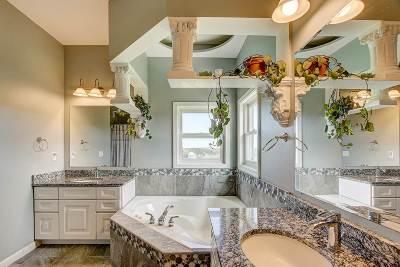 Oregon Single Family Home For Sale: 648 Oak Ridge Rd