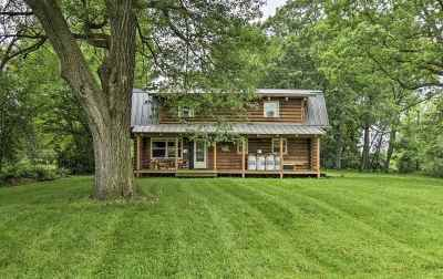 Stoughton Single Family Home For Sale: 2095 Yahara Dr