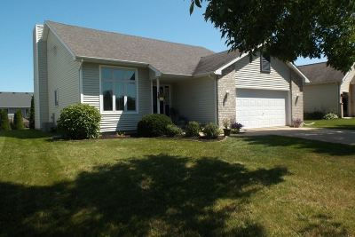 Sun Prairie WI Single Family Home For Sale: $300,000
