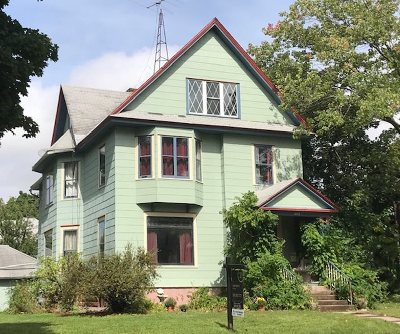 Baraboo WI Single Family Home For Sale: $219,900