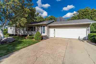 Baraboo WI Single Family Home For Sale: $229,900