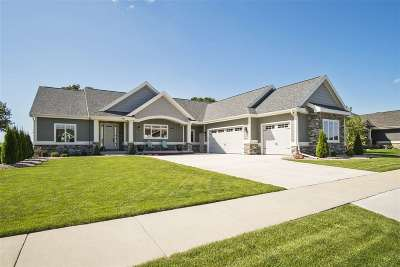 Waunakee Single Family Home For Sale: 714 Westbridge Tr