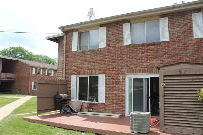 Milwaukee Condo/Townhouse For Sale: 7853 N 60 Th St