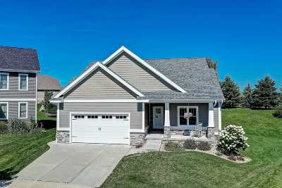 Waunakee Single Family Home For Sale: 1301 Vanessa Ct