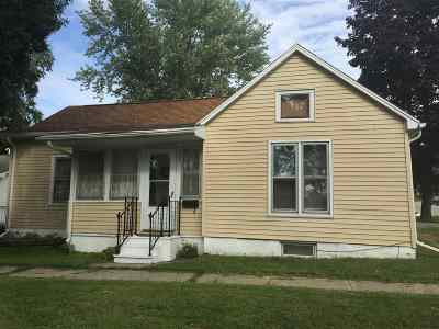 Wisconsin Dells Single Family Home For Sale: 902 Vine St.