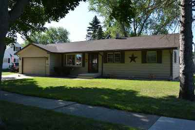 Janesville Single Family Home For Sale: 2100 Randolph Rd