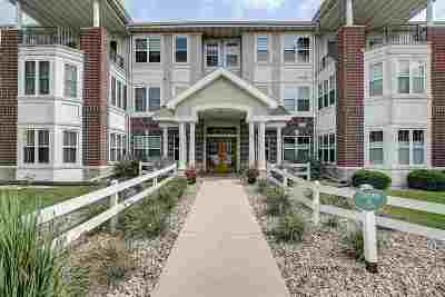 Middleton Condo/Townhouse For Sale: 8510 Greenway Blvd #103