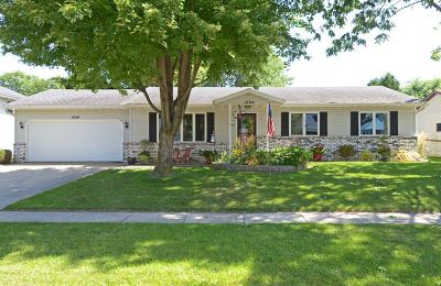 Waunakee Single Family Home For Sale: 1004 Eric Ln