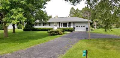 Waunakee Single Family Home For Sale: 5612 Mary Lake Rd