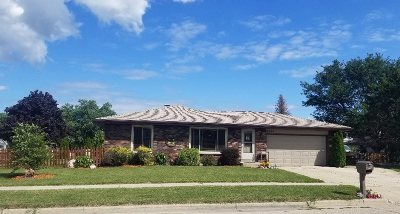 Janesville Single Family Home For Sale: 2044 W Burbank Ave