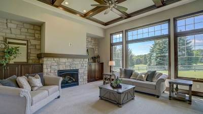 Dane County Single Family Home For Sale: 7681 Badger Run Ct