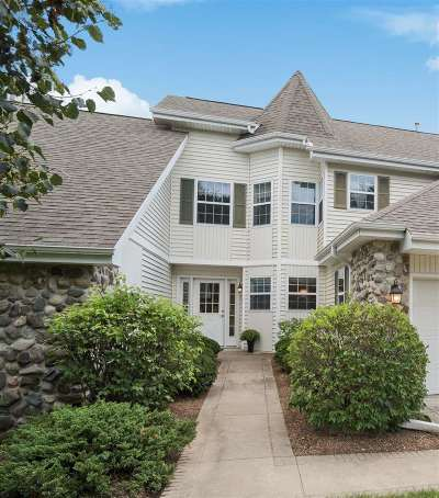 Waunakee Condo/Townhouse For Sale: 5693 Steeplechase Dr