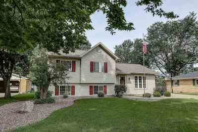 Janesville Single Family Home For Sale: 1907 Gershwin Dr