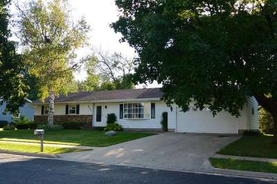 Marshall WI Single Family Home For Sale: $239,000