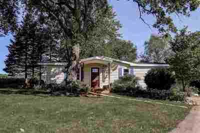Sun Prairie Single Family Home For Sale: 2042 Branch Rd