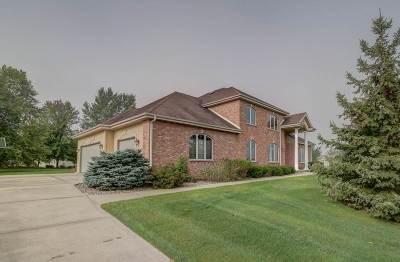 Verona Single Family Home For Sale: 1 Kingswood Cir