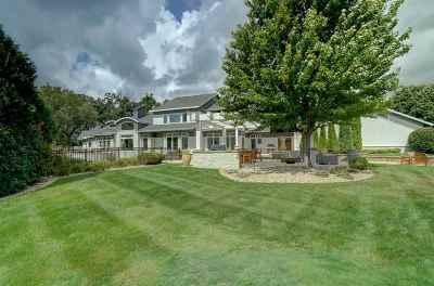 Verona Single Family Home For Sale: 30 Turnwood Cir