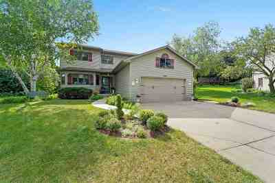 Middleton Single Family Home For Sale: 3705 Spring Hill Ct