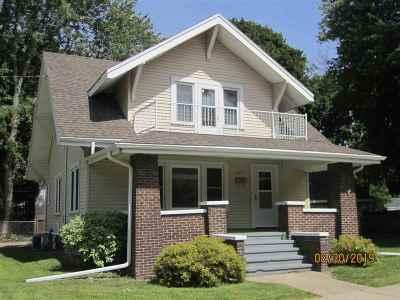 Janesville Single Family Home For Sale: 803 Glen St