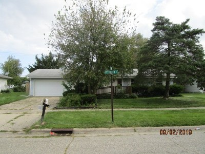 Janesville Single Family Home For Sale: 2549 Plymouth Ave