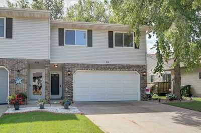 Sun Prairie Condo/Townhouse For Sale: 611 Granite Way