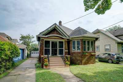 Madison Single Family Home For Sale: 609 Rogers St