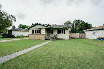 Madison WI Single Family Home For Sale: $249,900