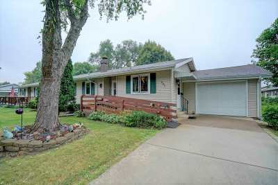 Sun Prairie Single Family Home For Sale: 805 Juniper St