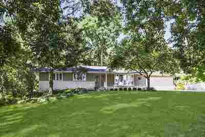 Waunakee Single Family Home For Sale: 6477 Hickory Ln