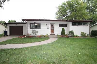 Janesville Single Family Home For Sale: 1426 Tamarack Ln