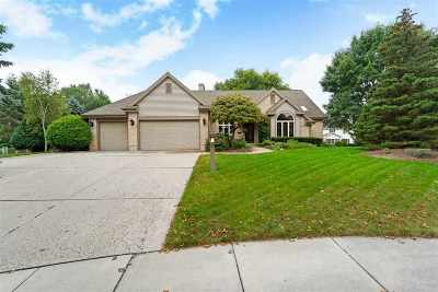 Middleton Single Family Home For Sale: 1301 Quartz Cir
