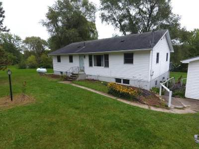 Edgerton WI Single Family Home For Sale: $335,000