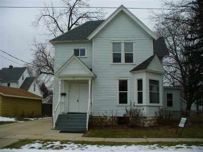 Janesville Single Family Home For Sale: 17 Sinclair St