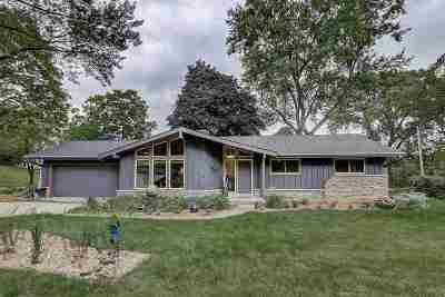 Madison Single Family Home For Sale: 226 Frigate Dr