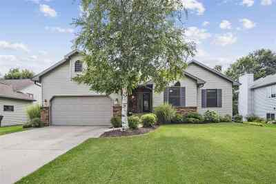 Sun Prairie Single Family Home For Sale: 1727 Rustic Dr