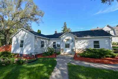 Stoughton Single Family Home For Sale: 1008 (1) Hamilton St