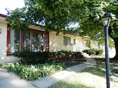 Janesville Single Family Home For Sale: 478 N Arch St