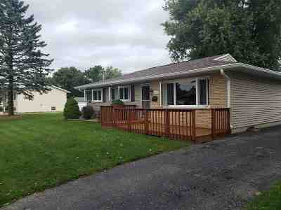 Janesville Single Family Home For Sale: 2219 Pioneer Rd