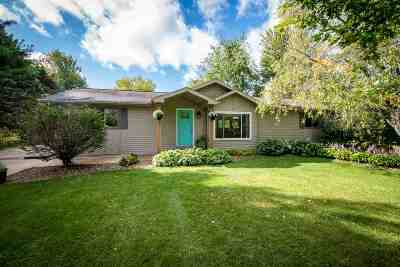 Dane County Single Family Home For Sale: 2613 Gladeview Rd