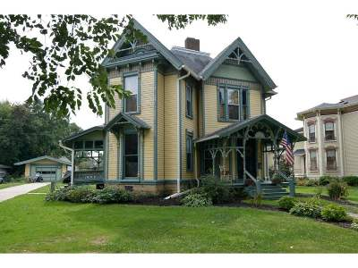 Evansville Single Family Home For Sale: 137 W Main St